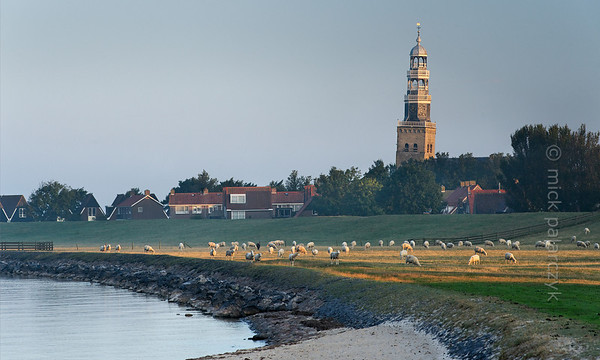 [HOLLAND.FRIESLAND 30185] 'Shore of IJsselmeer at Hindeloopen.'