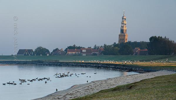 [HOLLAND.FRIESLAND 30184] 'Shore of IJsselmeer at Hindeloopen.'