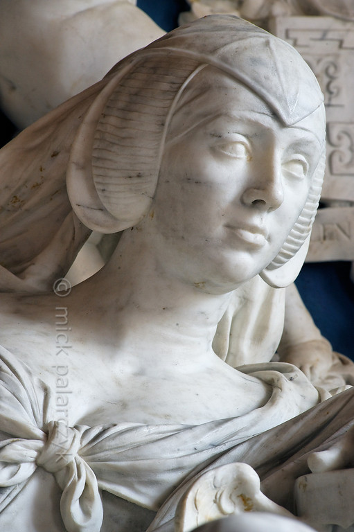 [HOLLAND.GRONINGEN 29493] 'Tomb sculpture in Midwolde.'  The church of Midwolde houses a beautiful marble tomb sculpted by well-known Dutch baroque sculptor Rombout Verhulst (1624-1698). The tomb was commissioned by Anna van Ewsum (who we see immortalized here) for herself and her husband. They were the wealthy inhabitants of the nearby Nienoord Estate at Leek. Photo Mick Palarczyk.