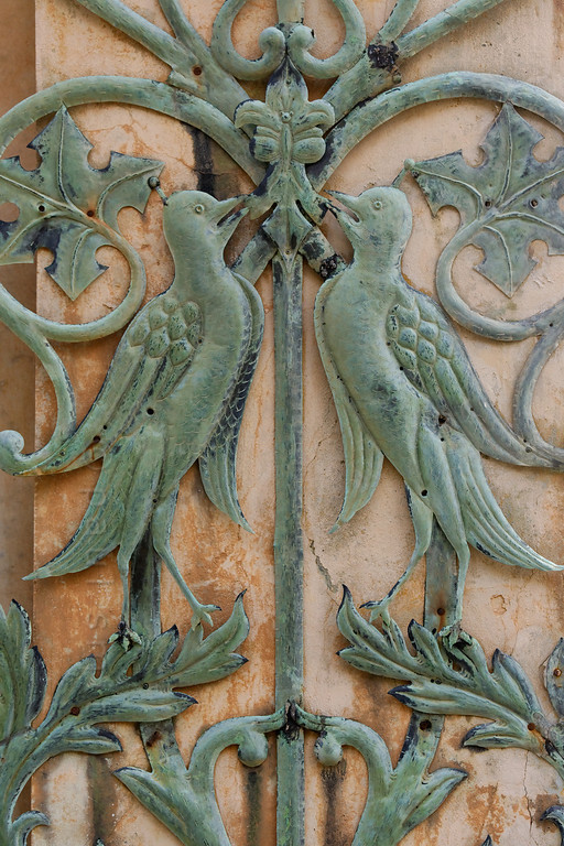 [ITALY.LIGURIA 28967] 'Ornament in the Hanbury Gardens.'  Ornamental birds and plants on a pavilion in the Hanbury Gardens. The Hanbury Botanical Gardens were created in 1867 when Sir Thomas Hanbury, holidaying on the Côte d'Azur , was struck by the beauty of Cape Mortola, near Ventimiglia, and began to purchase , piece by piece, part of the land which later amounted to eighteen hectares. Photo Paul Smit.