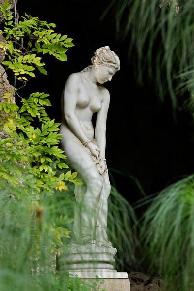 The Slave (sculpture, Hanbury Gardens).