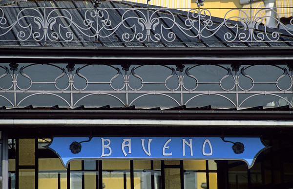 [ITALY.PIEMONTE 01628]  'Art nouveau.'  Landing stage of Baveno at the Lago Maggiore in art nouveau style. Baveno and Stresa were famous lakeside resorts during the Belle Époque. Photo Paul Smit.