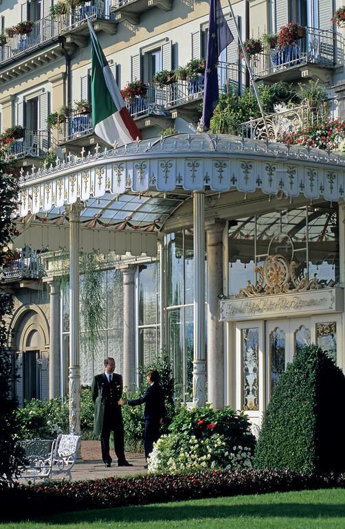[ITALY.PIEMONTE 01634]  'Grand hotel.'  Stresa, at the shores of Lago Maggiore, is a lakeside resort of the Belle Époque. In the 'Grand Hotel des Iles Borromées', its centerpiece, the era of plush and marmor never ended. Photo Paul Smit.
