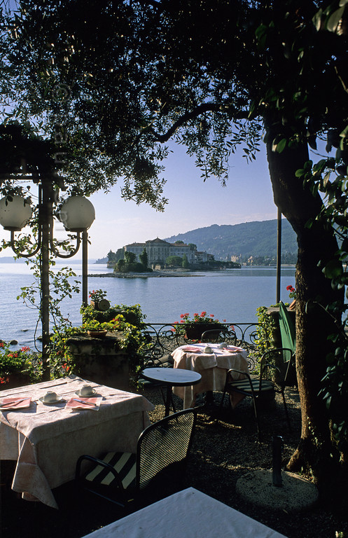 [ITALY.PIEMONTE 01656]  'Breakfast with a view.'  View from the breakfast terrace of Hotel Verbano at Isola dei Pescatori in the Lago Maggiore, looking towards Isola Bella. Photo Paul Smit.