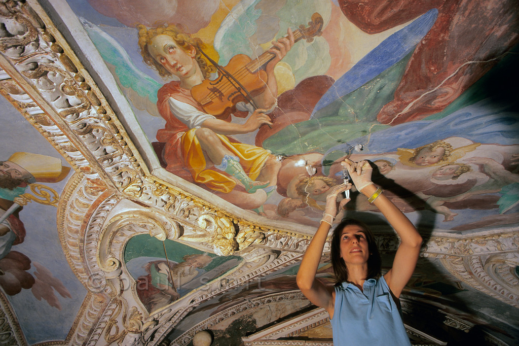 [ITALY.LOMBARDIA 01822]  'Music for the restorer.'  Restauration of the small monastery church of Santa Caterina at Lago Maggiore's eastern shore. Photo Paul Smit.