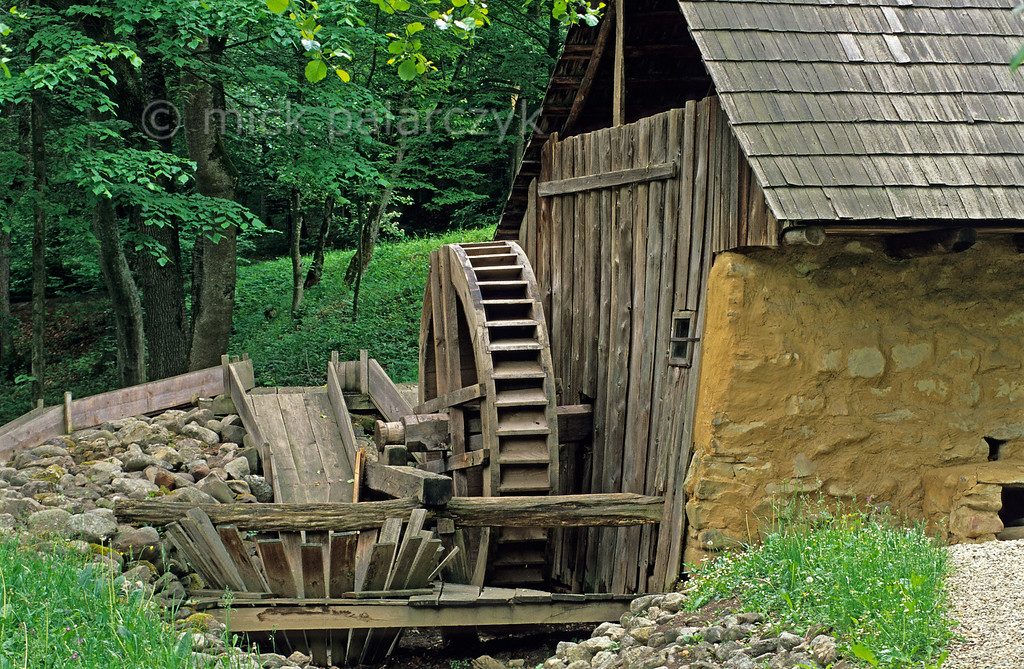 [ROMANIA.TRANSYLVA 23.776] 'Watermill with busnita.'