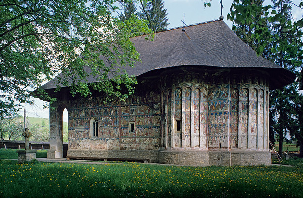 [ROMANIA.MOLDAVIA 24.000] 'Humor Monastery.'  	The church of Humor Monastery has exterior fresco-paintings done by Toma Zugravul in 1535. Photo Mick Palarczyk.