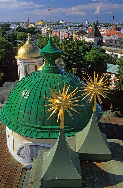 [RUSSIA.GOLDENRING 26.047] 'View of Yaroslavl.'  	In Yaroslavl the bell-tower of the Cathedral in the Transfiguration (Preobrazhensky) Monastery offers a fine view of the cathedral domes and the town. Photo Mick Palarczyk.