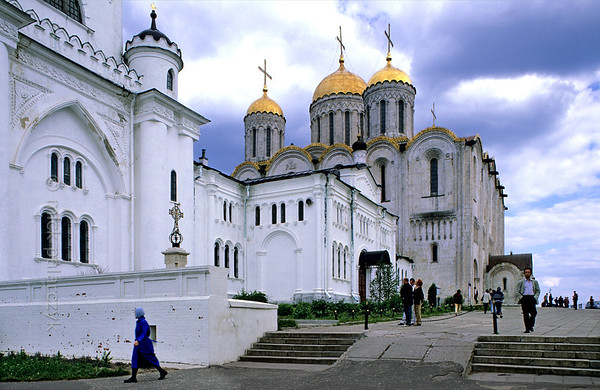 [RUSSIA.GOLDENRING 25.928] 'Victim of the Mongols.'  Vladimir's Assumption (Uspenski) Cathedral (12th century) was severely damaged in 1238 by the Mongols who torched the building with the prince's family and the bishop inside. The cathedral remained standing however and was restored. Photo Mick Palarczyk.
