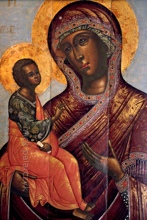 "[RUSSIA.GOLDENRING 26.109] 'Our Lady of Tsargrad.'  	The icon ""Our Lady of Tsargrad (Constantinople)"" was painted in 1706 by Piotre Savin. It can be found in the Church of Tsarevich Dimitri ""on the Blood"" in the little Volga town of Uglich. Photo Mick Palarczyk."
