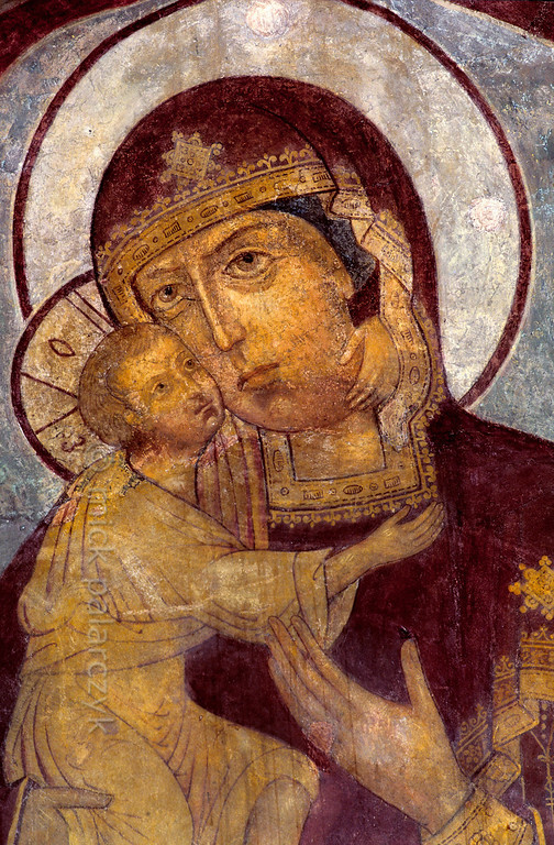 [RUSSIA.GOLDENRING 26.099] 'Mother and child.'  	In the western vestibule of the Trinity Cathedral (1652) in the Ipatievsky Monastery at Kostroma, Mary affectionately holds her child. The frescoes in the cathedral were painted in 1684 by Gury Nikitin and his school. Photo Mick Palarczyk.