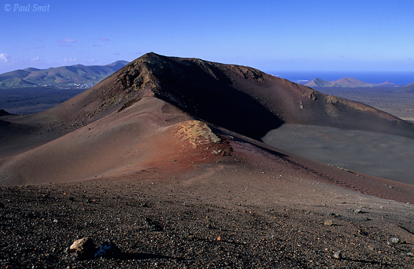 [SPAIN.CAN.LANZAROTE 9323] 'Volcanic landscape.'  Timanfaya national park: the beautiful colours of a young and untouched volcanic landscape. Photo Paul Smit.