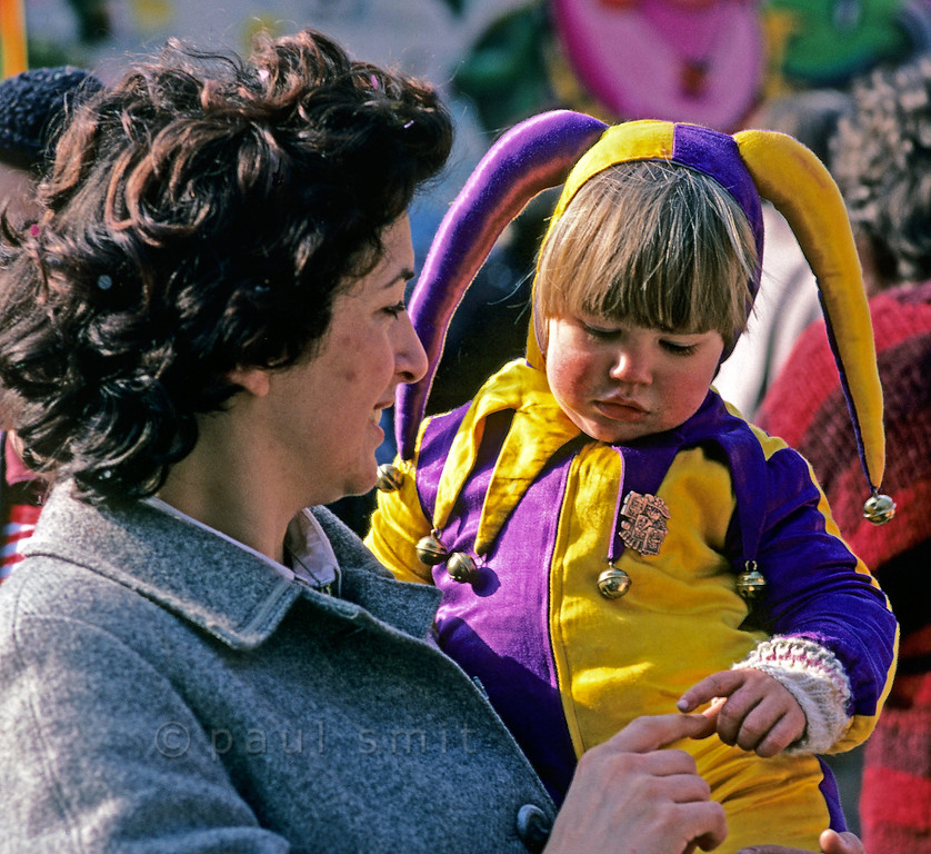 [SWITZER.JURA 6359] 'Gesture of tenderness.'  Tuesday is children's carnival during the <i>Basler Fasnacht</i>, the carnival of Basel. It's a day of colours, play and tenderness. Photo Paul Smit.