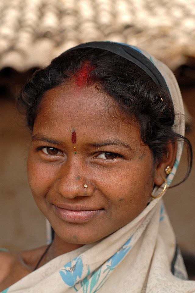 India: Close up portrait of a lady in a village near Nagpur, Maharashtra. Jan 2007.