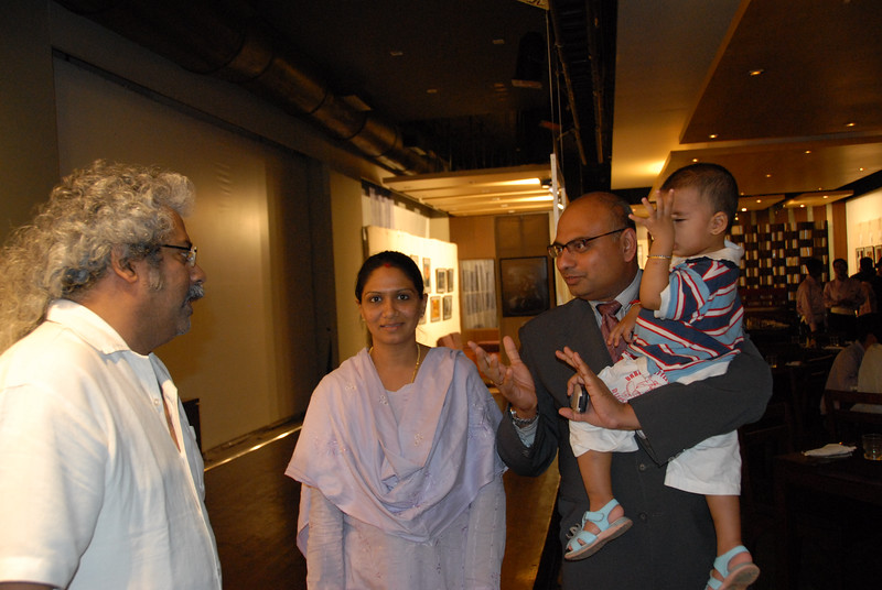 Hariharan talking to Sunny Sriram, GM, Rodas and his wife & son.