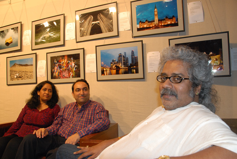 Hari Haran talking with Swapan, Anu, Suchit and Hari Haran's son.