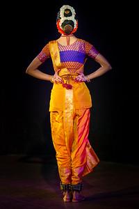 Eesha Pinglay (Bharatnatyam) dance performance at the 29th Raindrops Festival of Indian Classical Dance by Samved Sfpa (Samved Society for Performing Arts) & Uma Dogra. Friday, 12th July, 2019 at Bhavan's Cultural Center, Andheri (W), Mumbai.