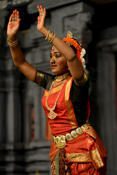 "Kuchupudi performance by Reddi T Lakshmi & Ranjini Nair, New Delhi. Guru : Jayarama Rao & Vanashree Rao.<br /> Performance at Chidambaram Natyanjali Dance Festival 2015 held at Chidambaram in February 2015. The festival is known for its serenity and uniqueness of the devotion of the dancers dedicating their ""Natya"" (Dance) as ""Anjali"" (Offering) and worship to the Lord of Dance - Lord Nataraja (Shiva)."
