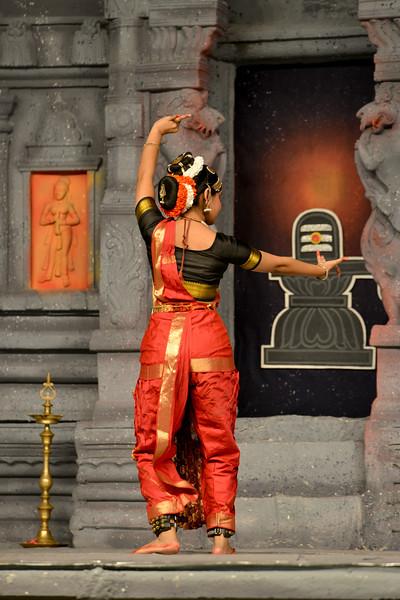 "Kuchupudi performance by Reddi T Lakshmi & Ranjani Nair, New Delhi. Guru : Jayarama Rao & Vanashree Rao.<br /> Performance at Chidambaram Natyanjali Dance Festival 2015 held at Chidambaram in February 2015. The festival is known for its serenity and uniqueness of the devotion of the dancers dedicating their ""Natya"" (Dance) as ""Anjali"" (Offering) and worship to the Lord of Dance - Lord Nataraja (Shiva)."