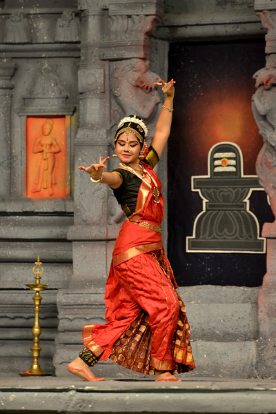 "Kuchupudi performance by Ranjini Nair New Delhi. Guru : Jayarama Rao & Vanashree Rao.<br /> Performance at Chidambaram Natyanjali Dance Festival 2015 held at Chidambaram in February 2015. The festival is known for its serenity and uniqueness of the devotion of the dancers dedicating their ""Natya"" (Dance) as ""Anjali"" (Offering) and worship to the Lord of Dance - Lord Nataraja (Shiva)."