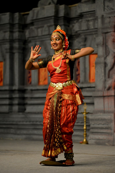 "Kuchupudi performance by Reddi T Lakshmi & Ranjani Nair, New Delhi. Guru : Jayarama Rao & Vanashree Rao.<br /> Performance at Chidambaram Natyanjali Dance Festival 2015 held at Chidambaram in February 2015. The festival is known for its serenity and uniqueness of the devotion of the dancers dedicating their ""Natya"" (Dance) as ""Anjali"" (Offering) and worship to the Lord of Dance - Lord Nataraja (Shiva)."
