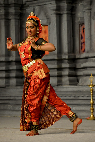 "Kuchupudi performance by Reddi T Lakshmi. Guru : Jayarama Rao & Vanashree Rao.<br /> Performance at Chidambaram Natyanjali Dance Festival 2015 held at Chidambaram in February 2015. The festival is known for its serenity and uniqueness of the devotion of the dancers dedicating their ""Natya"" (Dance) as ""Anjali"" (Offering) and worship to the Lord of Dance - Lord Nataraja (Shiva)."
