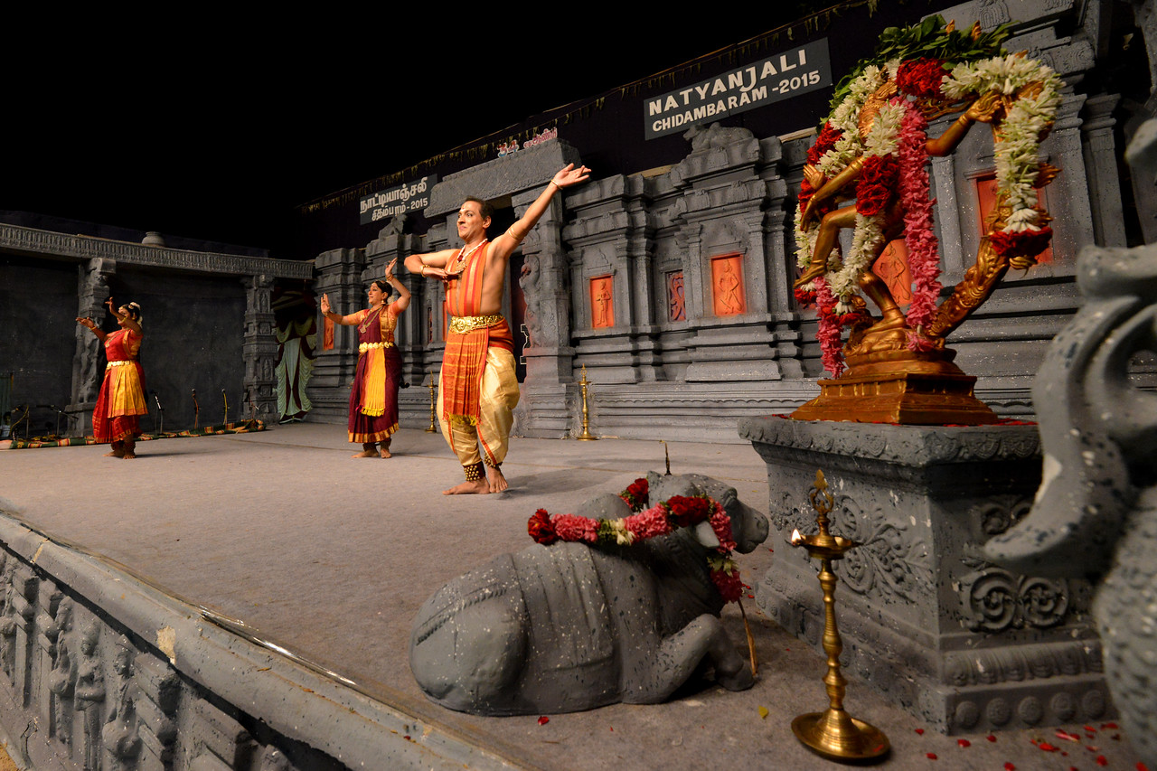 """Marabu"" by Parasha Group, Roja Kannan, Priya Murle, Srikanth, and Aswathi, Chennai. Performance at Chidambaram Natyanjali Dance Festival 2015 held at Chidambaram in February 2015. The festival is known for its serenity and uniqueness of the devotion of the dancers dedicating their ""Natya"" (Dance) as ""Anjali"" (Offering) and worship to the Lord of Dance - Lord Nataraja (Shiva)."