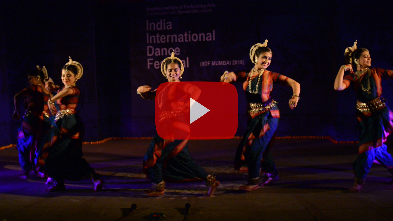 Short video clip of Smitalay (Group Folk) of Guru Smt Jhelum Paranjape.<br /> <br /> INTERNATIONAL INDIA DANCE FESTIVAL (IIDF MUMBAI 2018) 3rd March 2018. Organized by Aratrika Institute of Performing Arts and Samskritiki for its first season in Mumbai. Classical dance styles, folk, contemporary and fusion were performed over three days of the festival (2nd, 3rd and 4th March 2018).