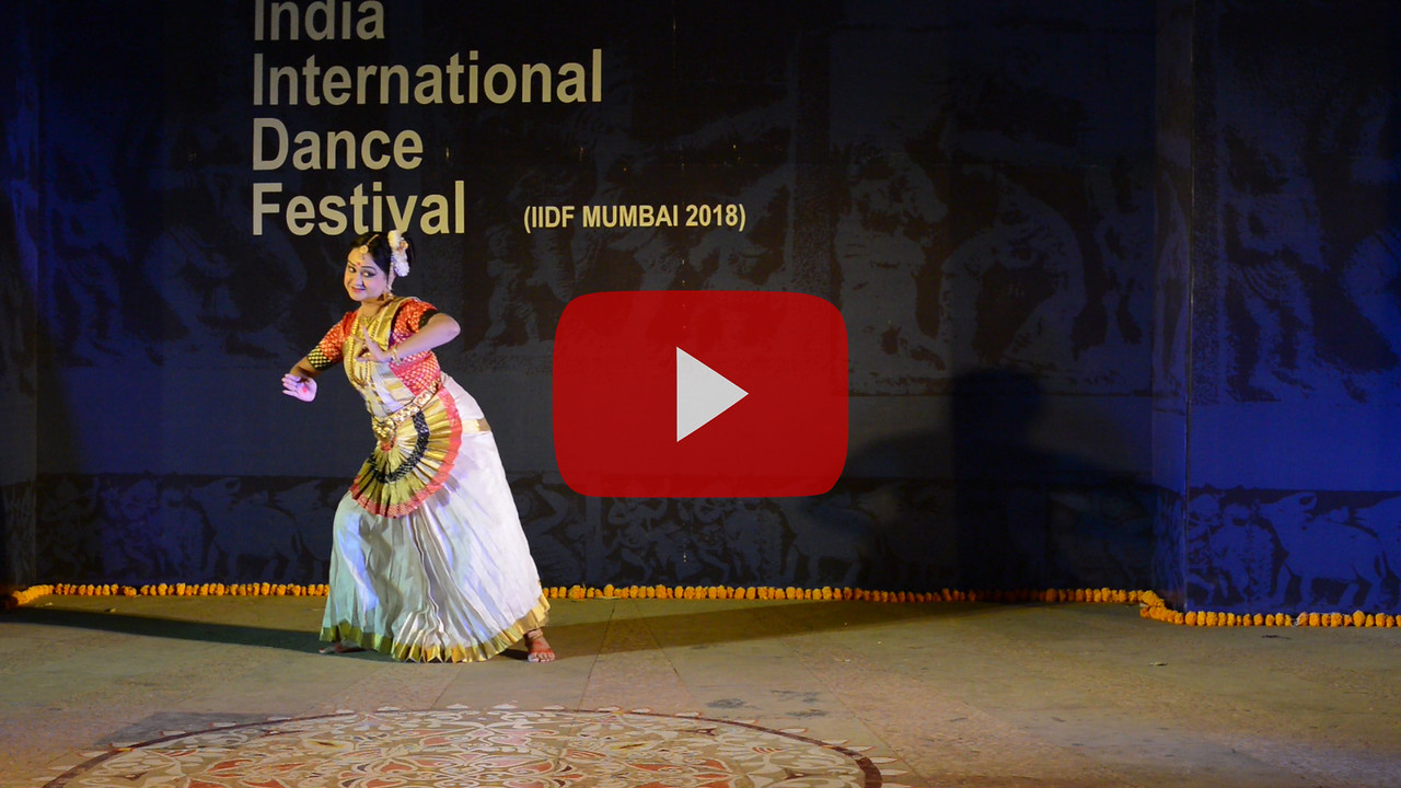 Short video clip of Ayswaria Wariar (Aishwarya Warrier) Mohiniyattam Exponent, Researcher & Choreographer. Kerala State Govt Awardee and  IIDF Awardee.<br /> <br /> INTERNATIONAL INDIA DANCE FESTIVAL (IIDF MUMBAI 2018) 4th March 2018. Organized by Aratrika Institute of Performing Arts and Samskritiki for its first season in Mumbai. Classical dance styles, folk, contemporary and fusion were performed over three days of the festival (2nd, 3rd and 4th March 2018).