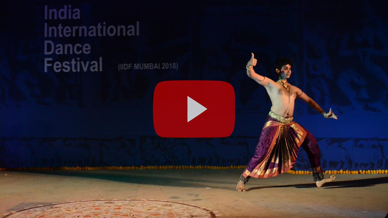 Short video clip of Pavitra Krishna Bhat, Bharatanatyam. Pavitra is a vibrant and graceful performer. One of the distinguished disciples of the renowned Bharatanatyam exponent Guru Shri Deepak Mazumdar and Achaarya Choodamani Smt. Anitha Guha took his initial training from Kalanjali under Kumari Vasantha.<br /> <br /> INTERNATIONAL INDIA DANCE FESTIVAL (IIDF MUMBAI 2018) 4th March 2018. Organized by Aratrika Institute of Performing Arts and Samskritiki for its first season in Mumbai.