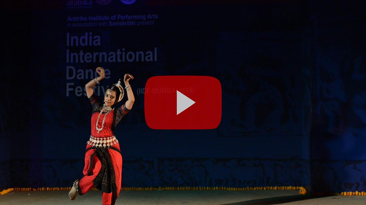 Short video clip of Namrata Mehta of Kaishiki. Odissi. Arksh - Exploring the Zodiac through Movement & Music in Odissi Dance.  Namrata learnt Odissi dance under Guru Smt Daksha Mashruwala. INTERNATIONAL INDIA DANCE FESTIVAL (IIDF MUMBAI 2018) 4th March 2018. Organized by Aratrika Institute of Performing Arts and Samskritiki for its first season in Mumbai.