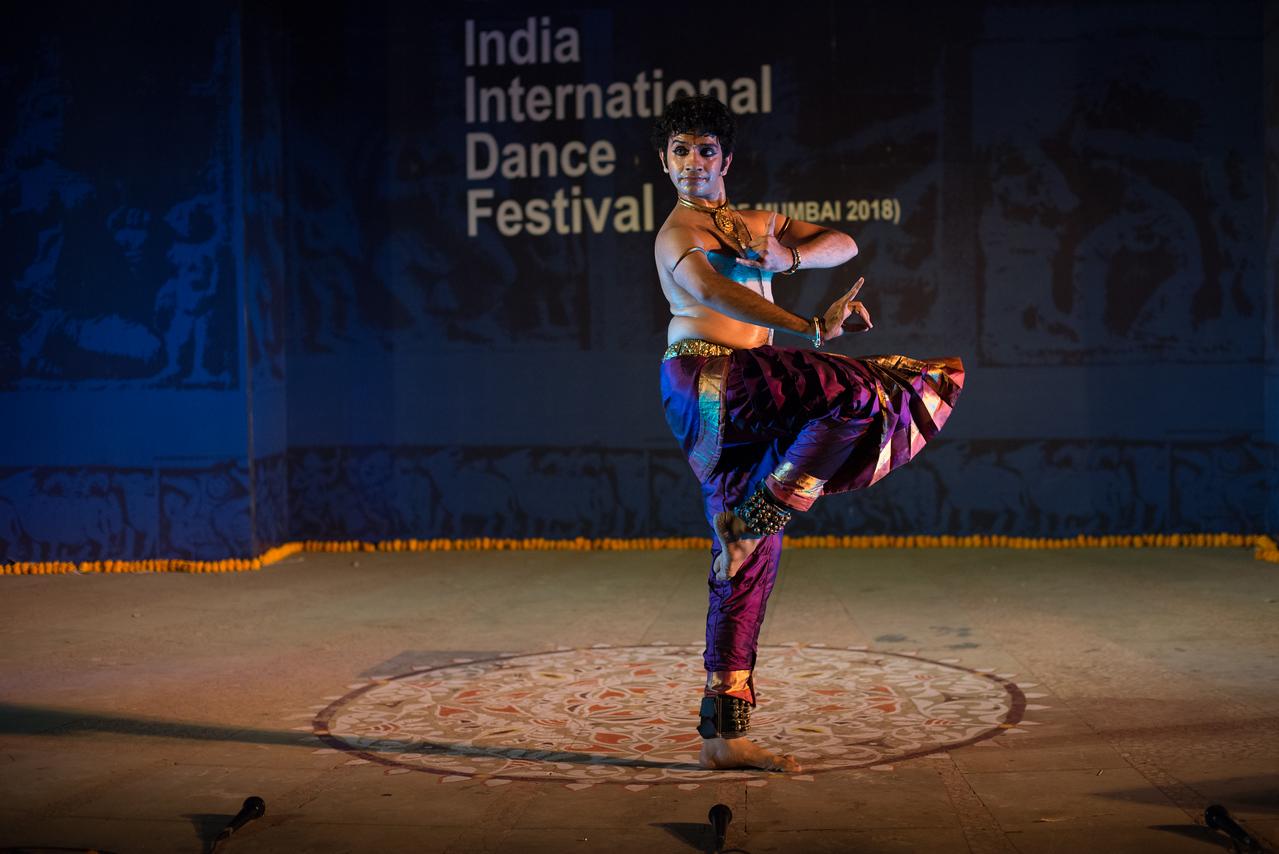 Pavitra Krishna Bhat, Bharatanatyam. Pavitra is a vibrant and graceful performer. One of the distinguished disciples of the renowned Bharatanatyam exponent Guru Shri Deepak Mazumdar and Achaarya Choodamani Smt. Anitha Guha took his initial training from Kalanjali under Kumari Vasantha.<br /> <br /> INTERNATIONAL INDIA DANCE FESTIVAL (IIDF MUMBAI 2018) 4th March 2018. Organized by Aratrika Institute of Performing Arts and Samskritiki for its first season in Mumbai.