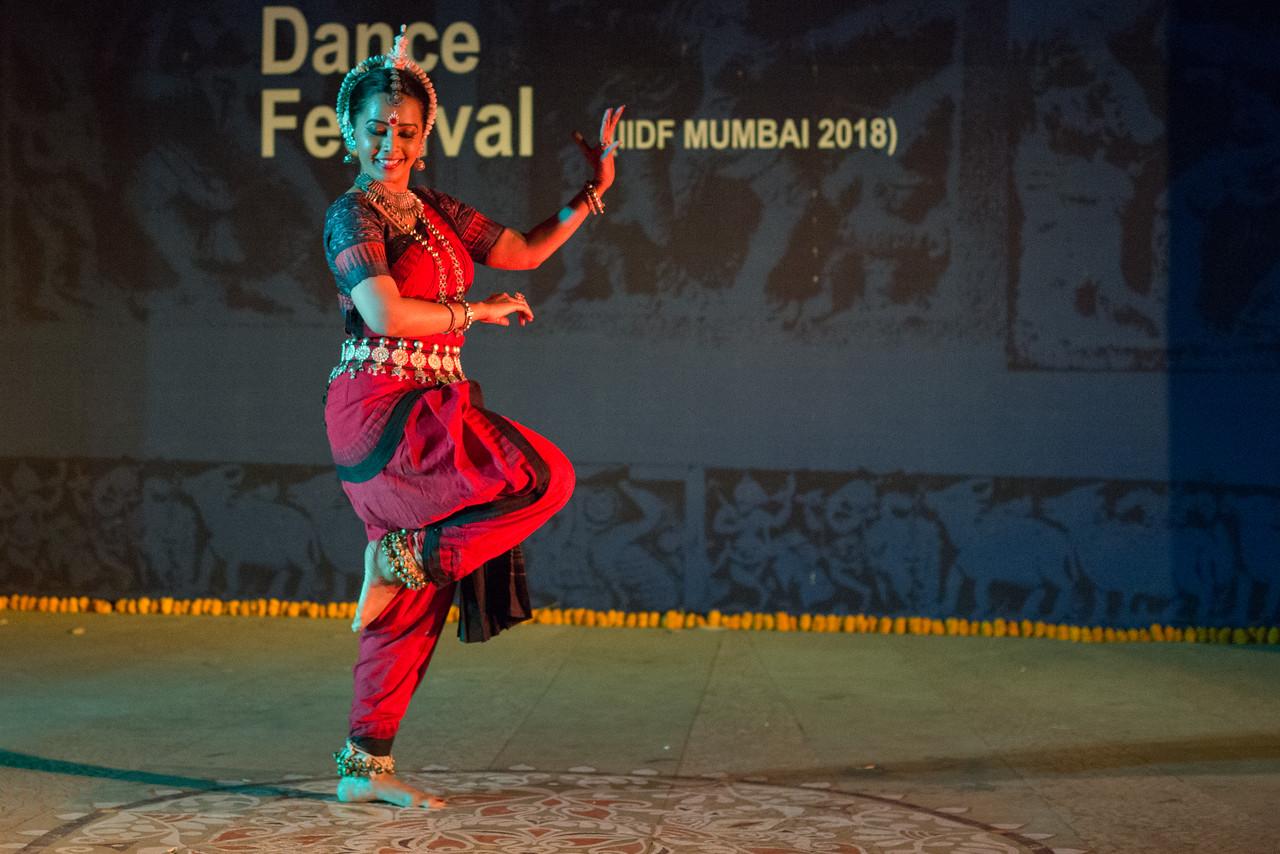 Namrata Mehta of Kaishiki. Odissi. <br /> Arksh - Exploring the Zodiac through Movement & Music in Odissi Dance.  INTERNATIONAL INDIA DANCE FESTIVAL (IIDF MUMBAI 2018) 4th March 2018. Organized by Aratrika Institute of Performing Arts and Samskritiki for its first season in Mumbai.