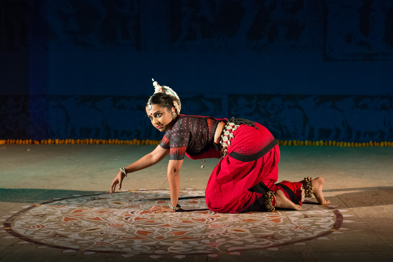 Namrata Mehta of Kaishiki. Odissi.<br /> <br /> Arksh - Exploring the Zodiac through Movement & Music in Odissi Dance.  Namrata learnt Odissi dance under Guru Smt Daksha Mashruwala. INTERNATIONAL INDIA DANCE FESTIVAL (IIDF MUMBAI 2018) 4th March 2018. Organized by Aratrika Institute of Performing Arts and Samskritiki for its first season in Mumbai.
