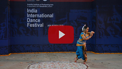 Short video clip of Smt Swapnokolpa Dasgupta (Roychowdhury), disciple of legendary Guru Kelucharan Mahapatra and Guru Poushali Mukherjee, is a proficient dancer in Odissi style of Indian classical dance.  INTERNATIONAL INDIA DANCE FESTIVAL (IIDF MUMBAI 2018) 4th March 2018. Organized by Aratrika Institute of Performing Arts and Samskritiki for its first season in Mumbai.