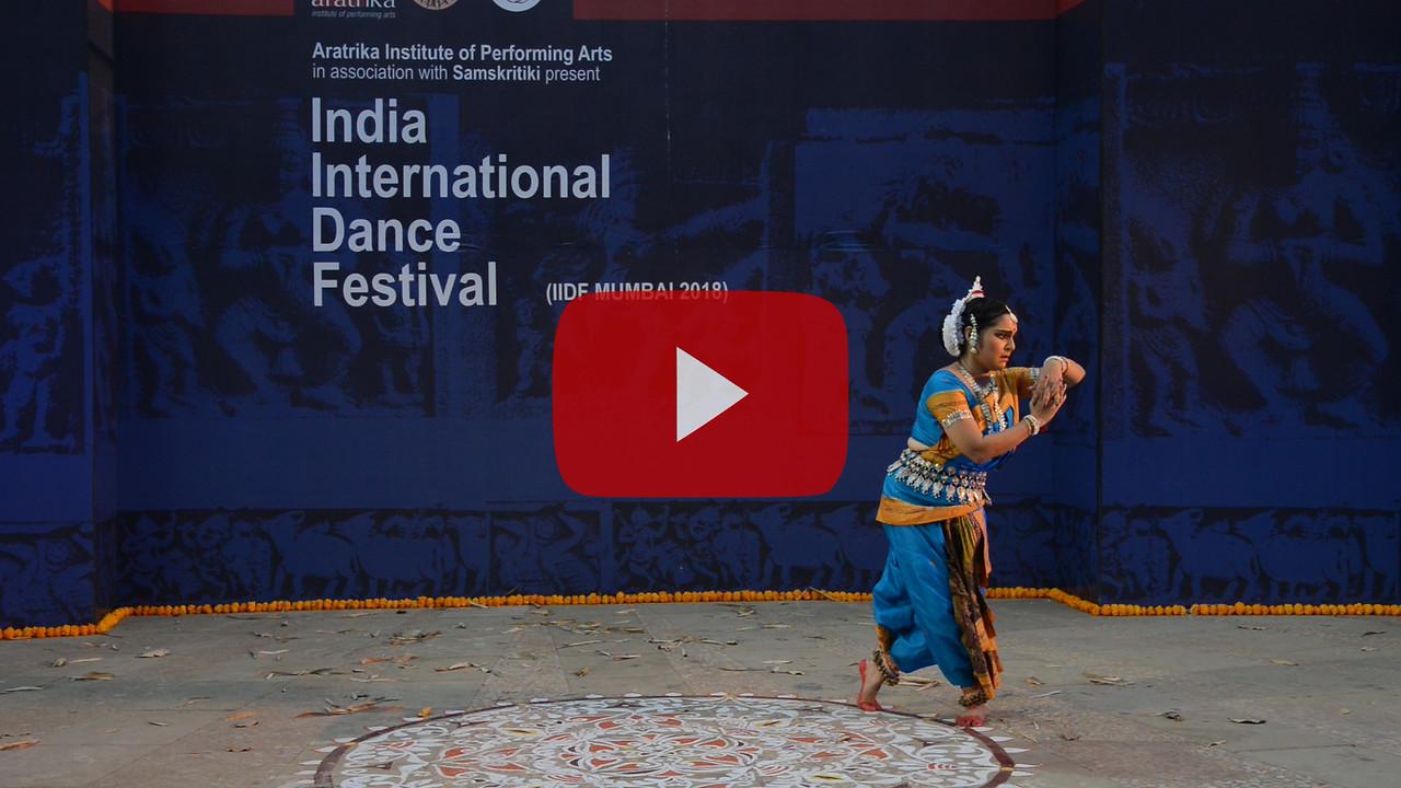 Short video clip of Smt Swapnokolpa Dasgupta (Roychowdhury), disciple of legendary Guru Kelucharan Mahapatra and Guru Poushali Mukherjee, is a proficient dancer in Odissi style of Indian classical dance.<br /> <br /> INTERNATIONAL INDIA DANCE FESTIVAL (IIDF MUMBAI 2018) 4th March 2018. Organized by Aratrika Institute of Performing Arts and Samskritiki for its first season in Mumbai.