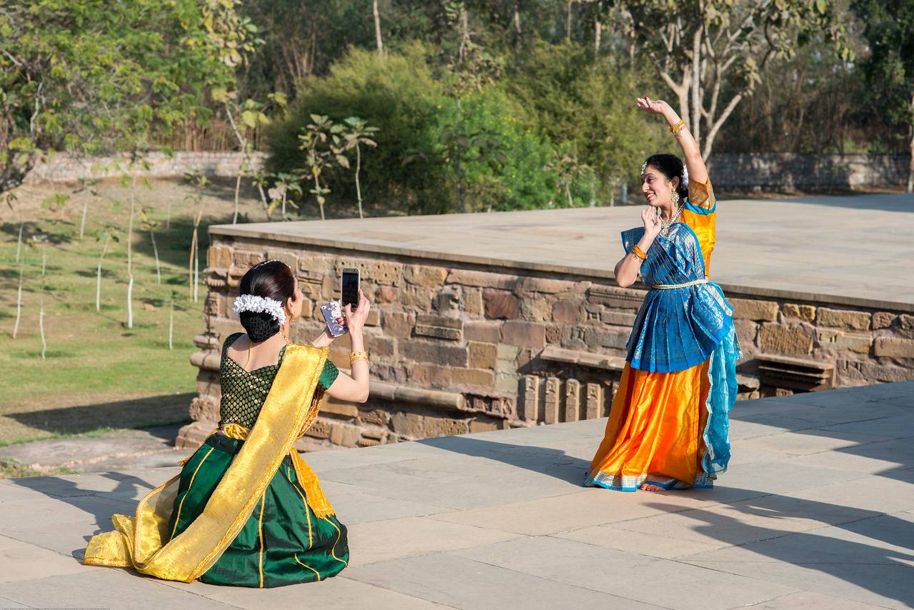 Mukta Sathe taking a picture of Sarika Prabhu Haris, of Rita Mitra Mustaphi, Katha Dance Theater, USA. <br /> <br /> Khajuraho Dance Festival, Feb 2017.