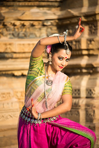 Namrata Mehta of Kaishiki, which was started by Odissi dance Guru Smt Daksha Mashruwala. Khajuraho Dance Festival, Feb 2017. Colorful and brilliant classical dance forms of India with roots in the rich cultural traditions offer a feast for the eyes during a weeklong extravaganza. Khajuraho Temples in Madhya Pradesh are popular for their architectural wonders and sculptures.