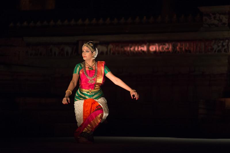 Lavanya Sankar is a Bharatanatyam dancer. She started at the tender age of four when she came under the tutelage of the noted Guru Kalaimamani Smt. K.J. Sarasa of Sarasalaya. <br /> <br /> Khajuraho Dance Festival 22nd Feb'17.