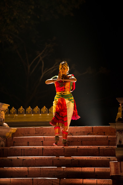 """Lavanya Sankar is a Bharatanatyam dancer. She started at the tender age of four when she came under the tutelage of the noted Guru Kalaimamani Smt. K.J. Sarasa of Sarasalaya. She had her Arangetram at the age of seven, and since then, has given more than a thousand performances at all leading Sabhas and Festivals all over India and abroad. Her talent has been recognized in the form of several awards and titles, the most noted being """"Ustad Bismillah Khan Yuva Puraskar"""" from Sangeet Natak Akademi, """"Nadanamamani"""" from Karthik Fine Arts and """"Yuva Kala Bharathi"""" from Bharat Kalachar. Lavanya imparts training in Bharathanatyam at her Academy of Classical Dance, Abhyasa, and also through lecture-demonstrations and presentations at various forums. She is also an accomplished nattuvangam artiste, an imaginative choreographer of Bharathanatyam ballets and productions, and has been a television hostess for a leading Tamil TV network.<br /> <br /> Khajuraho Dance Festival 22nd Feb'17. Colorful and brilliant classical dance forms of India with roots in the rich cultural traditions offer a feast for the eyes during a weeklong extravaganza. Khajuraho Temples in Madhya Pradesh are popular for their architectural wonders and sculptures."""
