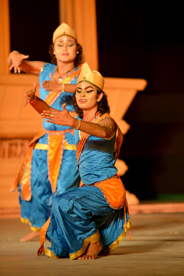 Dipjyotidipankar Sattriya. Dipjyoti-Dipankar are a set of young and promising artists of Sattriya dance. Dipjyoti-Dipankar started learning sattriya dance under the guidance of Guru Sri Bobbyrani Talukdar, Sri Dollyrani Talukdar and Guruji Ramkrishna Talukdar. Dipjyodi-dipankar have been presenting this danceas a duet since 2007. Dipjyoti and Dipankar graduated from the Luit Konwar Rudra Babuab State College of Music in Sattriya Dance and Kathak dance in the year 2012. Marami Medhi, Meghranjani, Dipjyoti, and Dipankar & Troupe's Kathak & Satriya dance performance at the Khajuraho Festival of Dances.