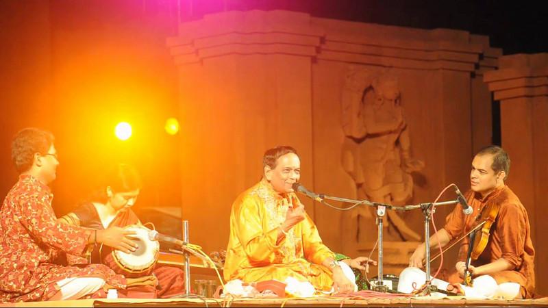 Short audio-video clip of Padmabibhushan Dr. M. Balamuralikrishna giving a Carnatic vocal performance along with violinist Shri Vittal Ramamurthy.<br /> <br /> The Konark Dance & Music Festival held from February, 19th to 23rd, 2010 was organized by Konark Natya Mandap.