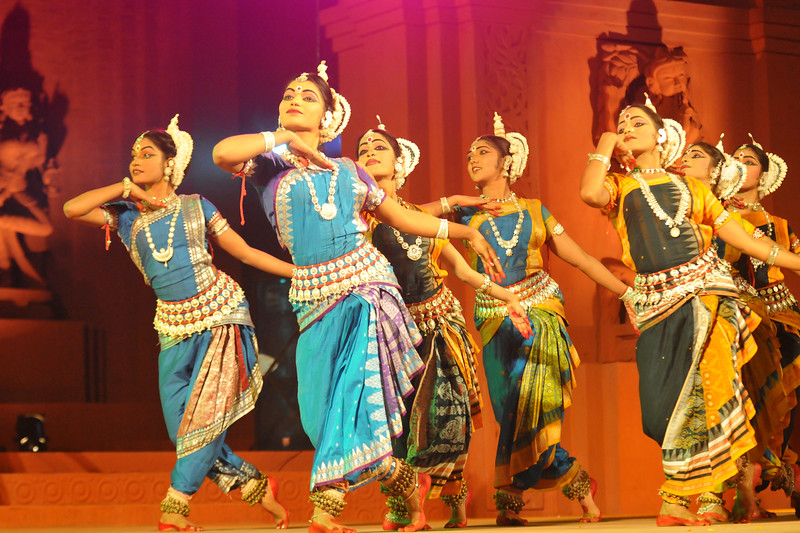 "Guru vandanam - ""Gangadhar Vandana"", performed by dancers of Konark Natya Mandap.<br /> <br /> The Konark Dance & Music Festival 2011 held from February, 19th to 23rd, organized by Konark Natya Mandap. The festival takes place in an open-air auditorium and enlivens the spirit of the sculptures of Konark temple which is just a short distance away.<br /> <br /> The objectives of the Konark Natya Mandap are to preserve, promote, and project the rich cultural heritage of Orissa and to infuse cultural awareness in the minds of all. Started with painstaking efforts of internationally renowned Odissi dance teacher Guru Gangadhar Pradhan who unfortunately passed away last year. For more details on the festival see  <a href=""http://www.konarknatyamandap.org/"">http://www.konarknatyamandap.org/</a>"