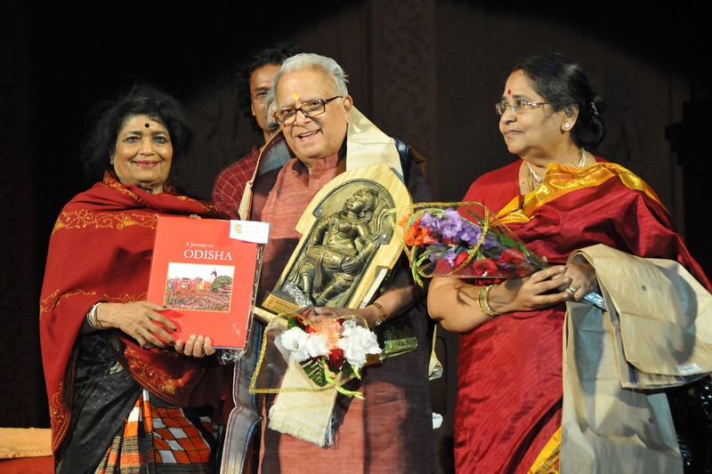 "Carnatic Violine Recital by Padma Bhusan (Prof) T.N. Krishnan<br /> <br /> The Konark Dance & Music Festival 2011 held from February, 19th to 23rd, organized by Konark Natya Mandap. The festival takes place in an open-air auditorium and enlivens the spirit of the sculptures of Konark temple which is just a short distance away.<br /> <br /> The objectives of the Konark Natya Mandap are to preserve, promote, and project the rich cultural heritage of Orissa and to infuse cultural awareness in the minds of all. Started with painstaking efforts of internationally renowned Odissi dance teacher Guru Gangadhar Pradhan who unfortunately passed away last year. For more details on the festival see  <a href=""http://www.konarknatyamandap.org/"">http://www.konarknatyamandap.org/</a>"