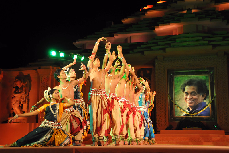 "Guru Gangadhar Vandana  - as a mark of respect by Konark Natya Mandap dancers to their guru Ganga Gangadhar Pradhan who unexpectedly passed away in 2010.<br /> <br /> The Konark Dance & Music Festival 2011 held from February, 19th to 23rd, organized by Konark Natya Mandap. The festival takes place in an open-air auditorium and enlivens the spirit of the sculptures of Konark temple which is just a short distance away.<br /> <br /> The objectives of the Konark Natya Mandap are to preserve, promote, and project the rich cultural heritage of Orissa and to infuse cultural awareness in the minds of all. Started with painstaking efforts of internationally renowned Odissi dance teacher Guru Gangadhar Pradhan who unfortunately passed away last year. For more details on the festival see  <a href=""http://www.konarknatyamandap.org/"">http://www.konarknatyamandap.org/</a>"