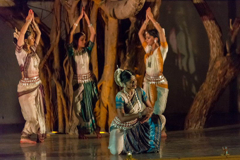 Smt Madhulita Mahapatra and disciples. Nrityantar from Bengaluru. Mumbai Odissi Utsav. Day 1 - 17th Feb 2018.