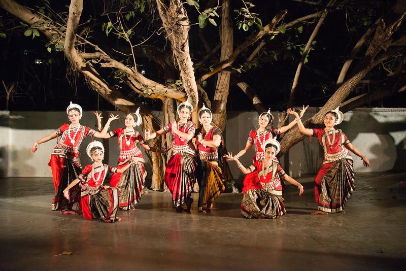 Guru Smt Stuti Sahu and her disciples.<br /> <br /> Mumbai Odissi Utsav <br /> Day 1 - 17th Feb 2018.