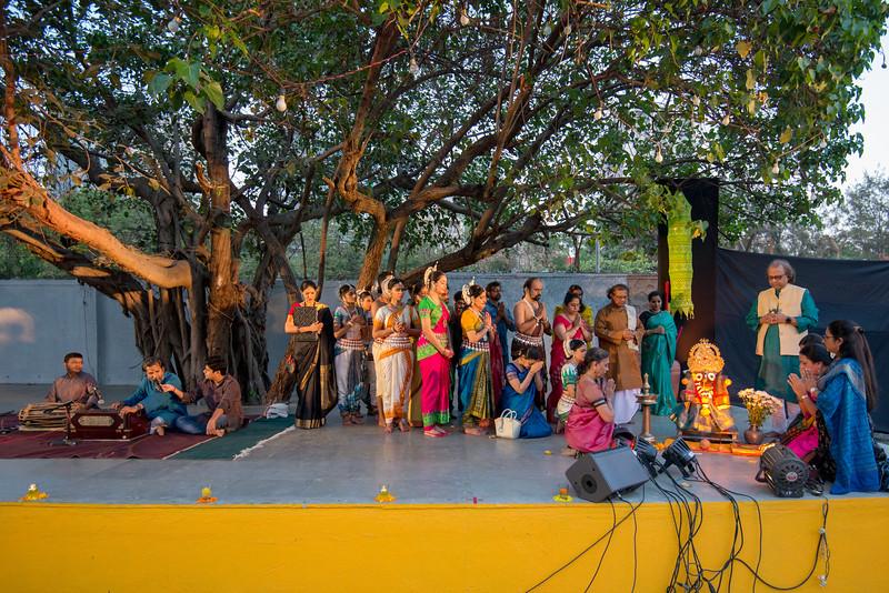 Start of Mumbai Odissi Utsav <br /> Day 1 - 17th Feb 2018 with a prayer invocation.<br /> <br /> Pandit Nayan Ghosh, Smt Daksha Mashruwala, Smt Namrata Mehta, Smt Jhelum Paranjape, Smt Uma Dogra, Smt Jyoti Shrivastava, Smt Prachi Save Saathi and many other dancers.<br /> <br /> With Ramprasad Gannavarapu, Rohan Dahale and Jateen Kumar Sahu at Sangit Mahabharati, Juhu Scheme (JVPD), 400049 Mumbai, Maharashtra. And message from Shri Shyamhari Chakra.