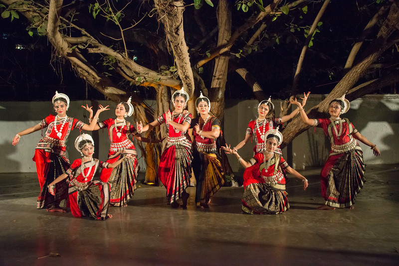Guru Smt Stuti Sahu and her disciples.<br /> <br /> Mumbai Odissi Utsav <br /> Day 1 - 17th Feb 2018.