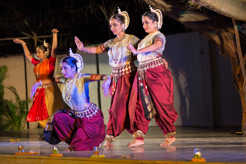 Kaishiki Nrityabhasha (Mumbai) (Group: Guru Smt Daksha Mashruwala and Disciples)<br /> Mumbai Odissi Utsav. Day 2 - 18th Feb 2018.